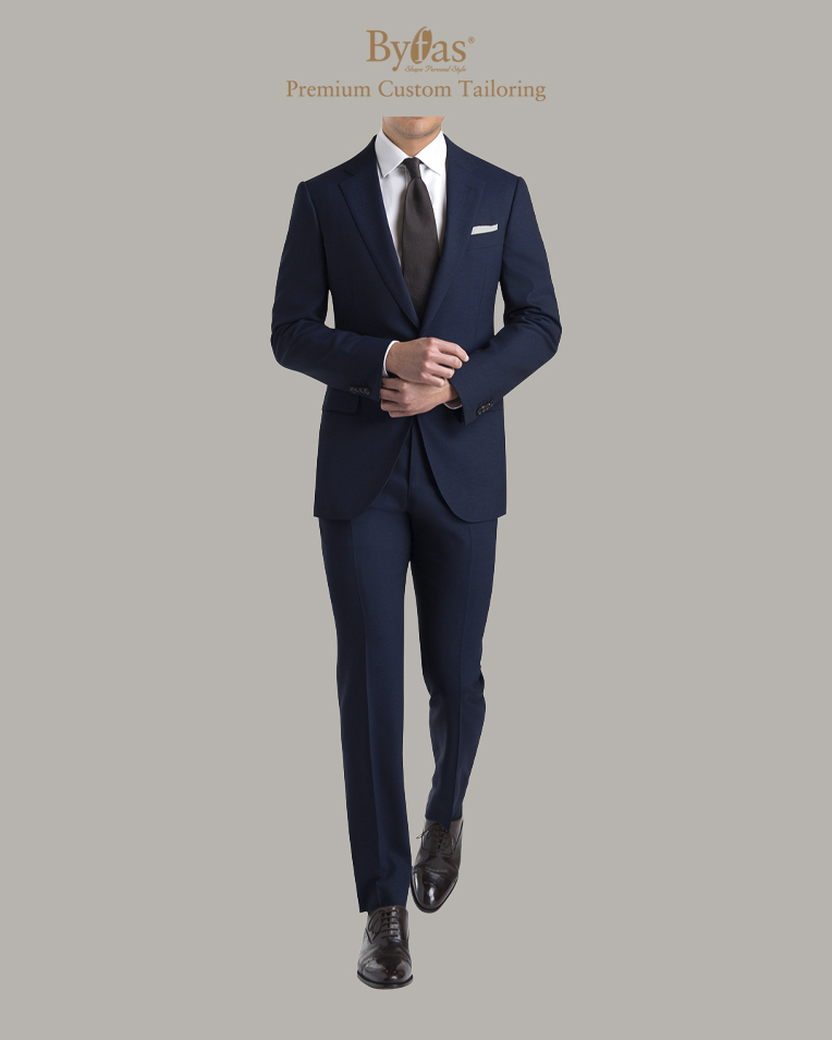 The Traveler Suit in Navy
